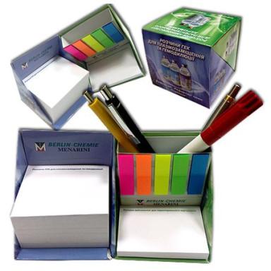 Настольный набор с бумажными блоками, стикерами Post-It и закладками PET