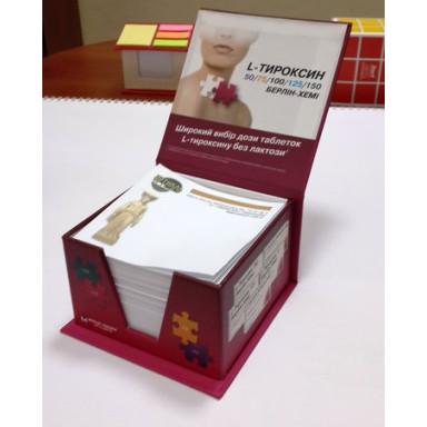 Бумажный блок для записи в картонной упаковке
